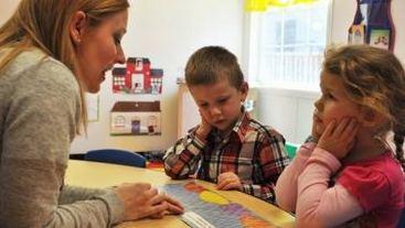 Disabilità sensoriale, contributi agli alunni audiolesi e videolesi
